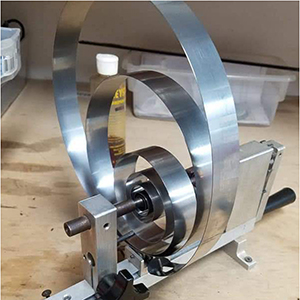 Changing a clock mainspring